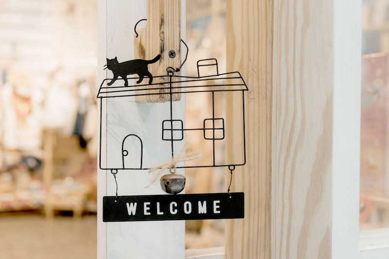 how to welcome guests into your home